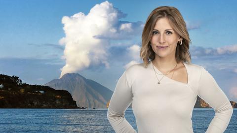 Kate Menzyk aus hr3 Der schöne Nachmittag vor der Kulisse der Liparischen Inseln.