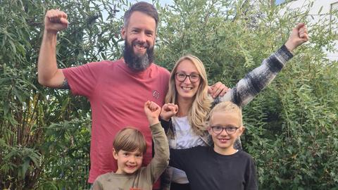 Hits und Herz Gewinner Jörg und seine Familie freuen sich auf ihren allerersten Mallorca-Urlaub.