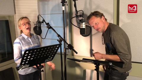 Video-Startbild: Cathlen Gawlich und Stefan Kaminiski, Sprecher hr3 Weihnachtsgeschichte