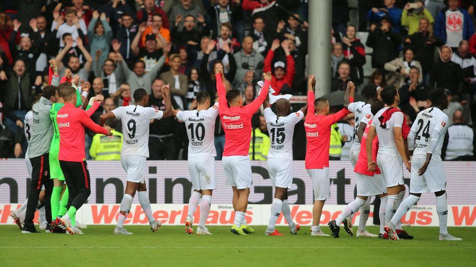 Spielszene Freiburg Eintracht