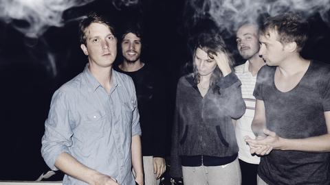 """Die hessische Band Juli haben mit dem Song """"Perfekte Welle"""" 2004 einen Meilenstein der deutschen Popmusik gesetzt."""