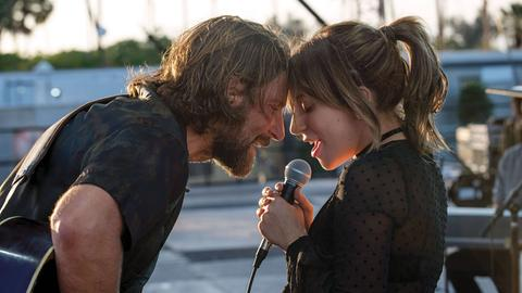 "Lady Gaga und Bradley Coooper in ""A Star Is Born"" mit Shallow"