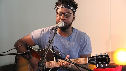 Video Startbild Kelvin Jones Unplugged