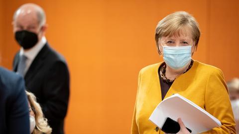 Angela Merkel mit Maske