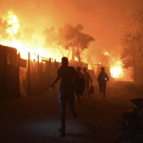 Flüchtlingslager Moria auf Lesbos steht in Brand