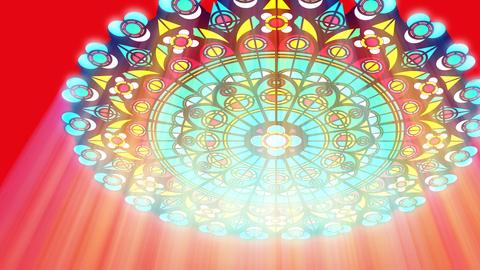 Lichtfall durch ein buntes Kirchenfenster