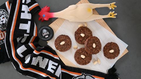 """Die """"Power Pucks"""" sind so etwas wie Müsli-Kekse, zu Pucks geformt."""