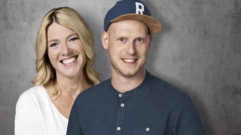 Moderatoren-Duo Tanja Rösner Jan Reppahn Betonhintergrund