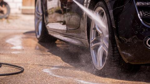 Autowäsche Felgenreinigung