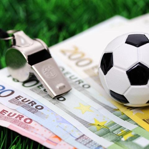 Bundesliga 2018 - Schnelles Geld mit Sportwetten und als Schiedsrichter