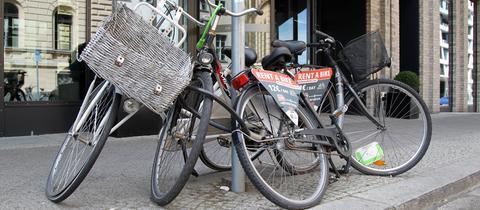 Fahrrad anschließen