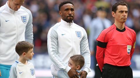 Einlaufkind bei England - Litauen in der WM Qualifikation 2017