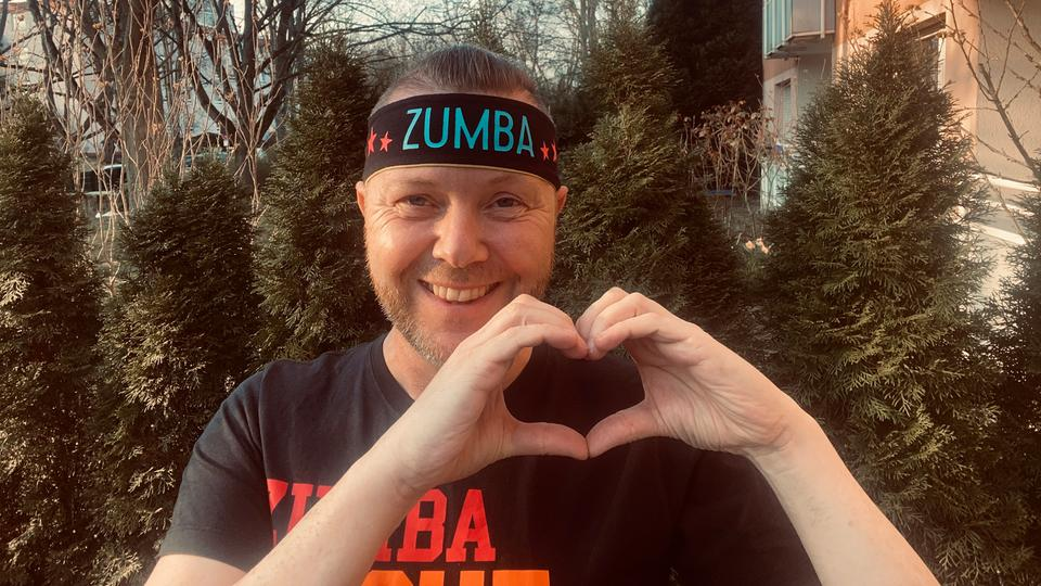 Volker ist mit ganzem Herzen Zumba-Instructor.