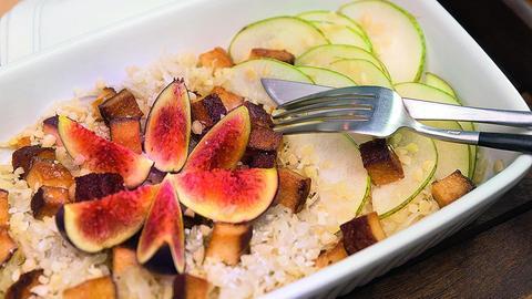 Sauerkraut-Birnen-Salat mit Räuchertofu