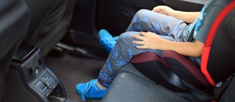 Kind im Auto, Kindersitz