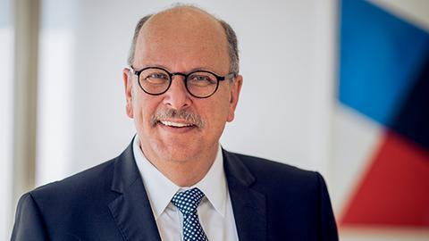 Der Hessische Familienminister Stefan Grüttner