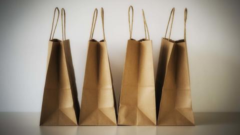 Papiertüten zum Einkaufen