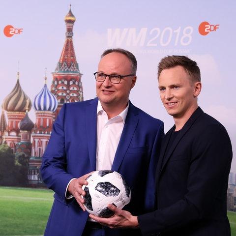 ZDF WM Moderatoren Oliver Welke und Jochen Breyer