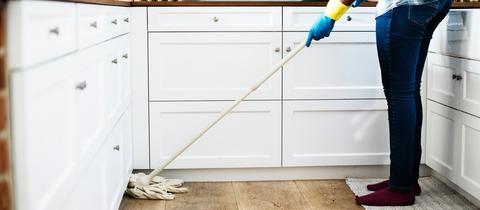 Gartenstühle säubern, Armaturen entkalken, Fenster putzen ...