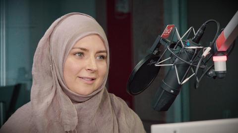 Katja spricht im hr3 Interview über ihre Entschluss Muslima zu werden.