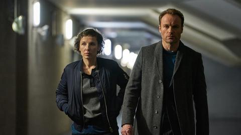 """Rubin und Karow (Meret Becker und Mark Waschke) im Tatort """"Meta"""""""