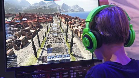 """Computerspieler spielt das Spiel """"Total War"""""""
